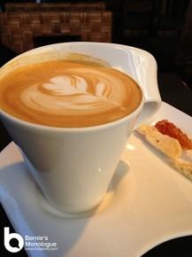 《咖啡弄》一份鹽味焦糖窩夫鬆餅 一個理由周末飛台灣 taiwan taipei coffee alley 05 217x290